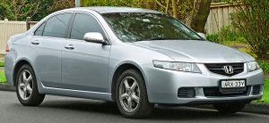 2003-2005_Honda_Accord_Euro_sedan